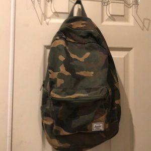 Herschel cammo backpack, EUC